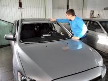 Mitsubishi lancer замена лобового стекла