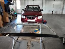 Hyundai accent лобовое стекло