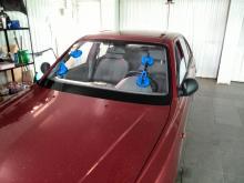 Hyundai accent установка лобового стекла